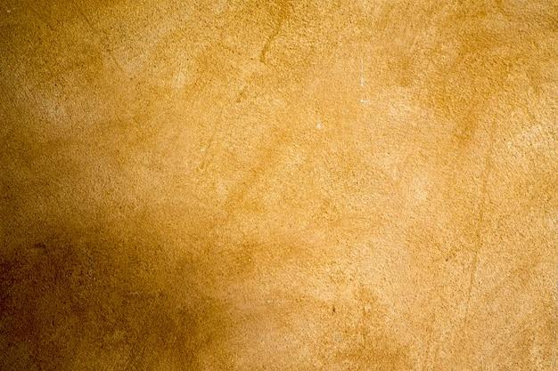 Mur de béton brun pour le fond.