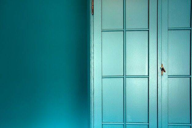 Mur bleu cyan avec intérieur élégant placard texture de fond de porte de placard bleu moderne belle ...