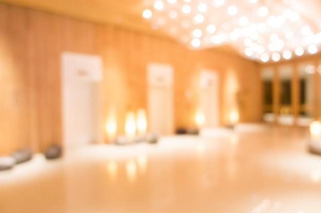 Mur en bois avec des ascenseurs floues