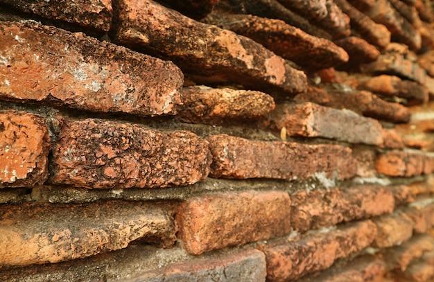 Mur de brique extérieur du temple wat phra si sanphet site du patrimoine mondial de l'unesco à ayutthaya en thaïlande