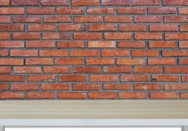 Mur de briques rouges et texture bois pour le fond