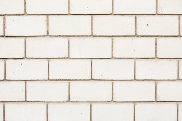 Mur de briques soigné