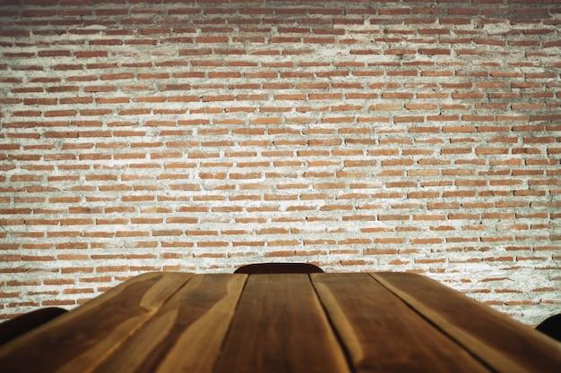 Mur de briques de style loft industriel au café ou au restaurant