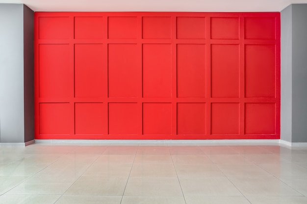 Mur de couleur dans une pièce vide
