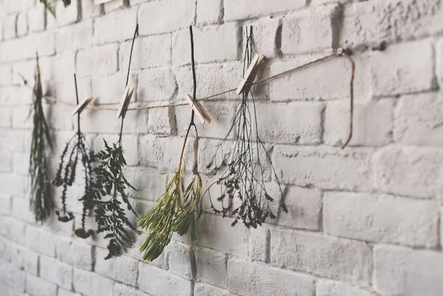 Mur décoré de fleurs