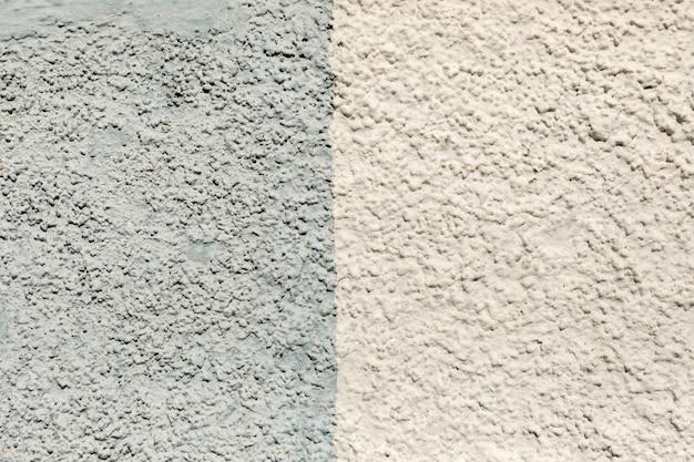 Mur extérieur avec deux types de peinture