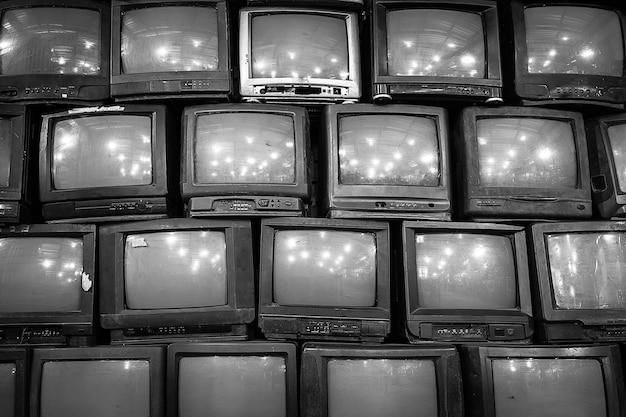 Mur de fond de vieux téléviseurs à tube vintage