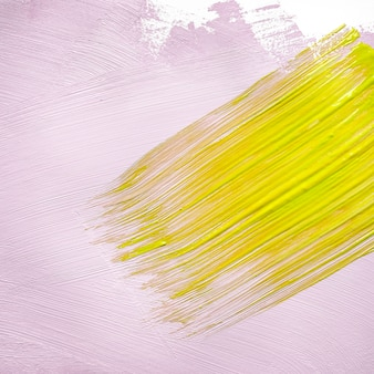 Mur peint jaune et rose