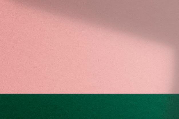 Mur de produits rose et vert