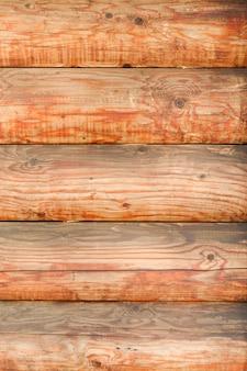 Mur de rondins. disposition horizontale. fermer