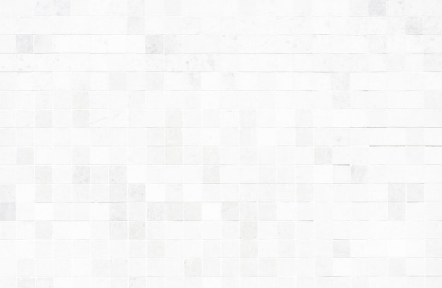 Mur de tuiles blanches