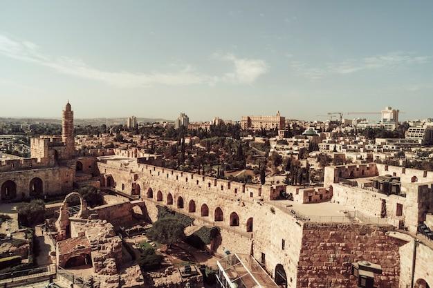 Musée de la tour david, vieille ville de jérusalem. la tour de david est une ancienne citadelle située près de la porte de jaffa à l'entrée de la vieille ville de jérusalem