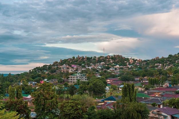 Mwanza la ville rocheuse de tanzanie