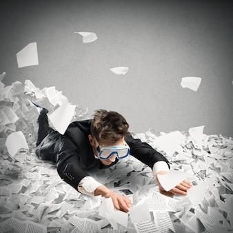 Nagez dans la bureaucratie