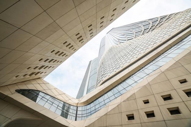 Nanjing, jiangsu, chine-25 septembre 2020: caractéristiques architecturales du centre culturel international de la jeunesse de nanjing