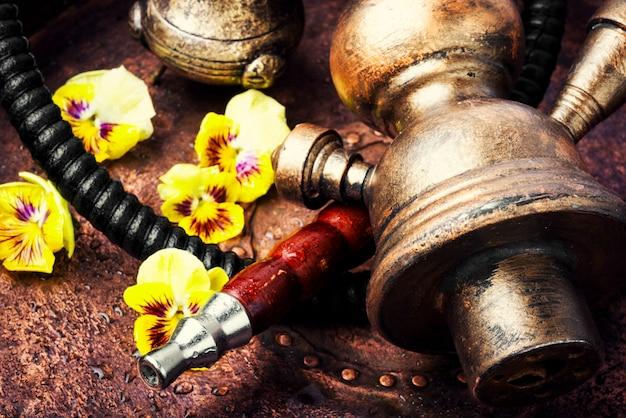 Narguilé au tabac asiatique avec arôme de fleur