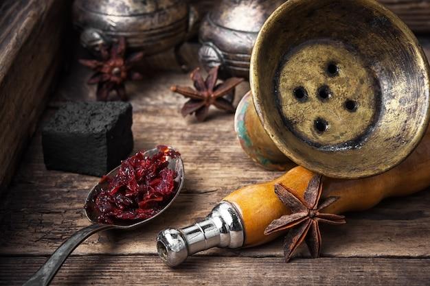 Narguilé shisha à la saveur d'anis