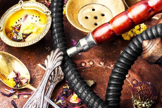 Narguilé, tabac à thé