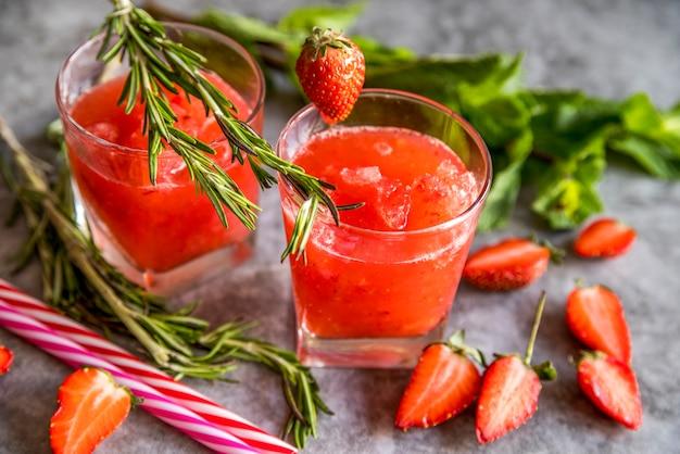 Nature morte d'un délicieux smoothie d'été