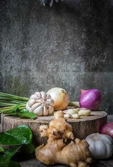 Nature morte avec des légumes de la nourriture pour l'élément