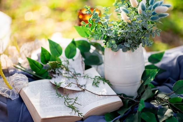 Nature morte un livre ouvert