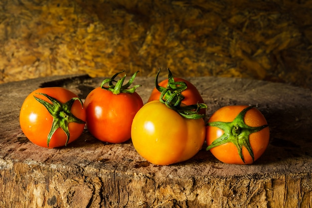 Nature morte photographie d'art avec des tomates