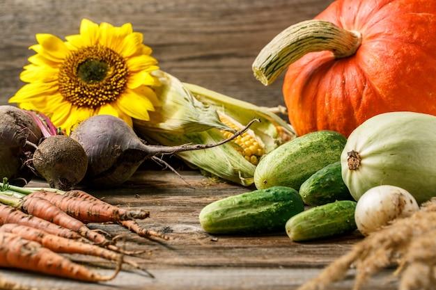 Nature morte rustique de légumes