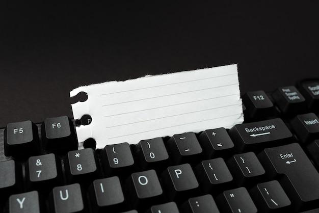 Navigation en ligne, exploration, création de contenu de blog, envoi de nouveaux messages, saisie d'idées, rédaction d'idées importantes, configuration de bureau informatisée, travaux de saisie de données, étude de recherche web