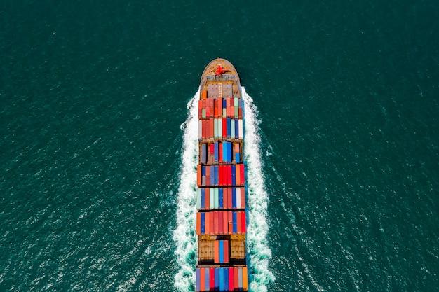 Navire de charge conteneur aérien vue de dessus et service aux entreprises d'exportation et d'importation