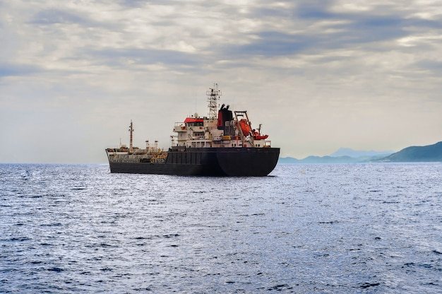 Navire pétrolier