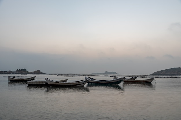 Navires de pêche et installations aquacoles en mer