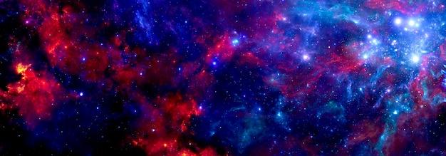 Une nébuleuse bleu-rouge cosmique avec l'éclat des étoiles de l'univers en arrière-plan