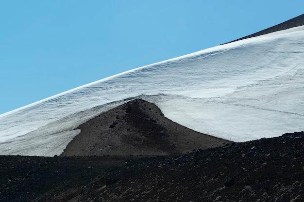 Neige sur le volcan osorno puerto varas llanquihue los lagos chili patagonie