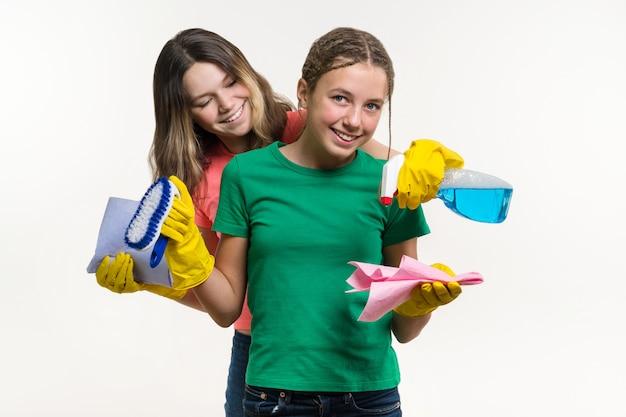 Nettoyage, tâches ménagères et concept de travail d'équipe