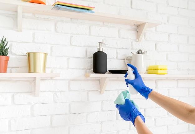 Nettoyer les surfaces