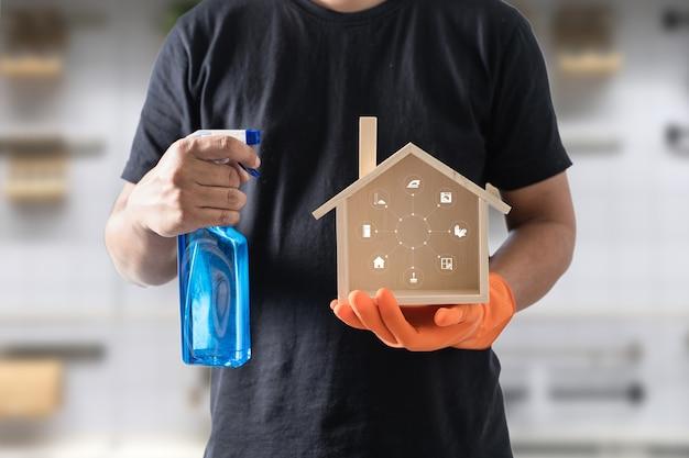Le nettoyeur professionnel montre le logo de nettoyage