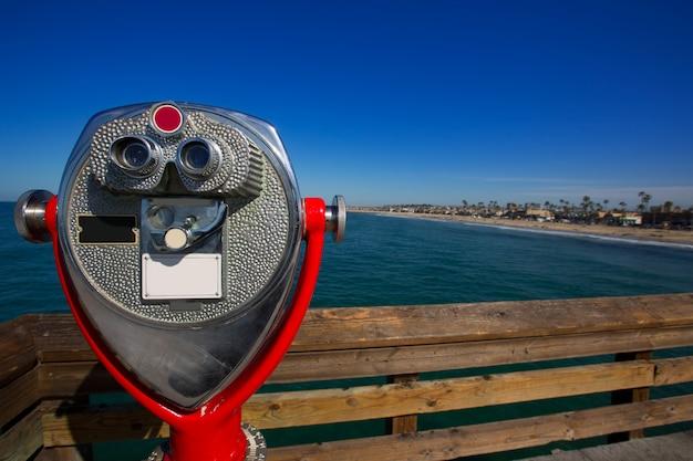 Newport beach en californie vue depuis le télescope de la jetée