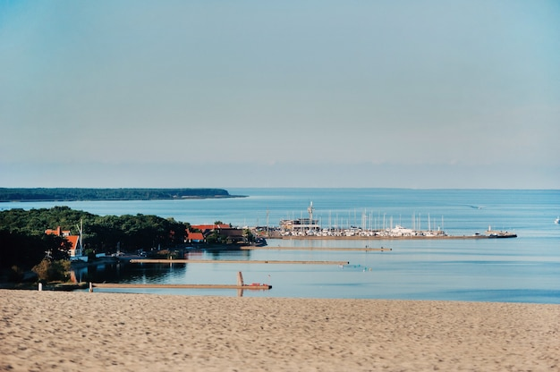 Nida - broche de courlande et lagune de courlande, nida, klaipeda, lituanie.
