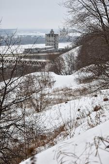 Nijni novgorod par une sombre journée d'hiver