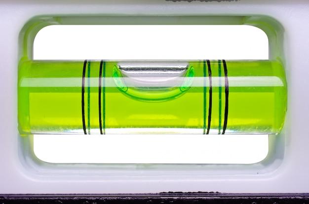 Niveau à bulle verte