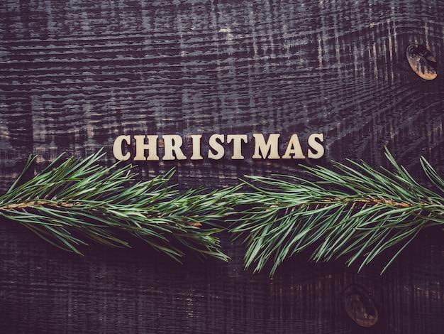 Noël. lettres de l'alphabet sur une planche