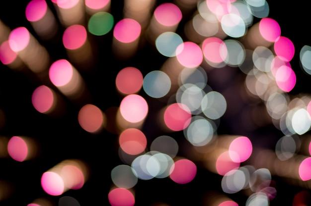 Noël, nouvel an vacances fond flou. feu d'artifice flou