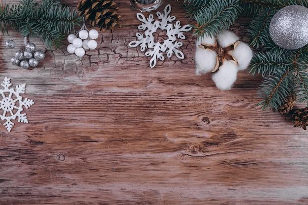 Noël plat poser sur fond en bois