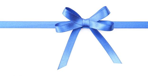 Noeud de ruban bleu foncé isolé sur blanc