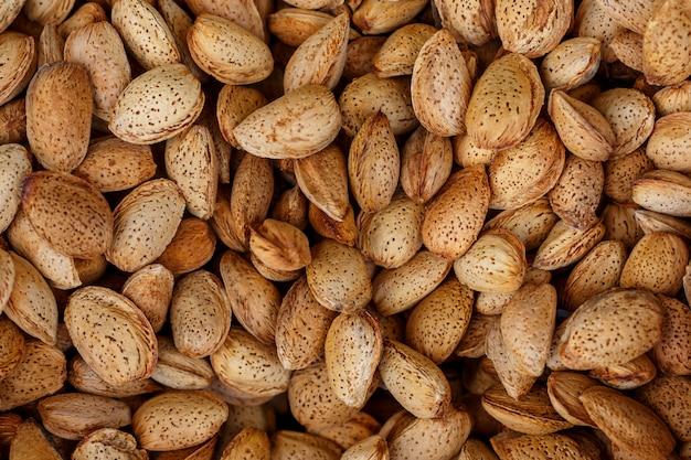 Les noix aux amandes peuvent être utilisées comme arrière-plan.