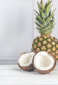 Noix de coco et ananas