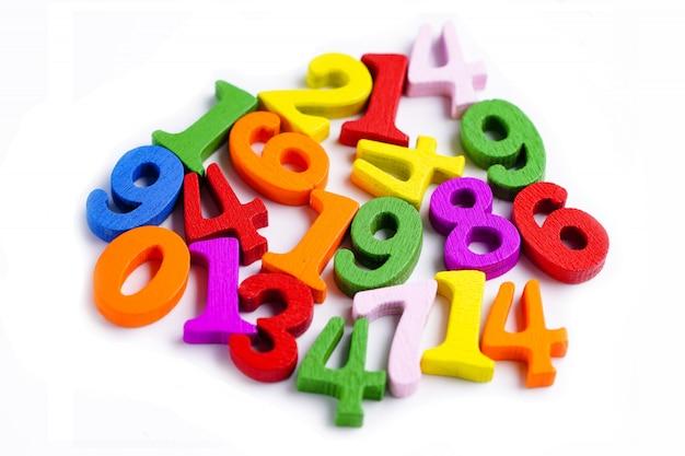 Nombre de maths coloré sur blanc