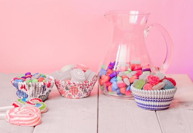 De nombreuses gelées sucrées colorées
