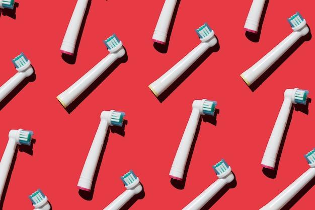 De nombreux accessoires pour brosses à dents électriques hygiène moderne