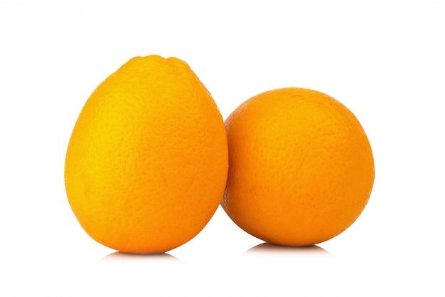 Nombril de fruits orange isolé sur fond blanc